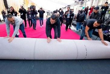 Hollywood despliega alfombra roja en el Paseo de la Fama en la cuenta regresiva para los Óscar