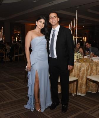 Afif Diek y Paola Márquez, la mejor amiga de la novia desde hace 18 años.