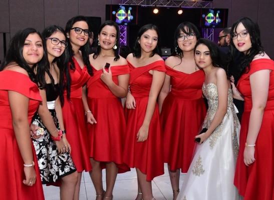 Ana Chiuz con sus compañeras y amigas.