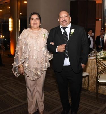 Como padrinos de boda destacaron Vilma Lizzette López y Magdiel Ruíz