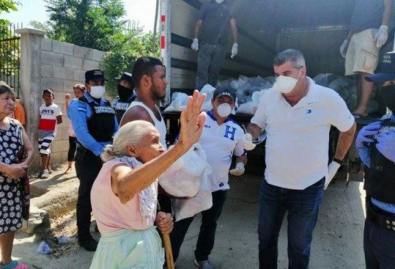Cuerpo Consular Sampedrano entrega alimentos a familias de escasos recursos de aldea El Carmen