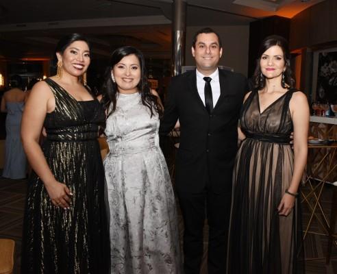 Daniela de Osorio, Sonia de Borjas, Héctor y Karen Venegas