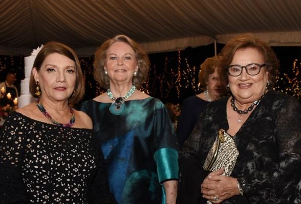 Dos cumpleañeras Elena Elenita de Hepburn y Ana Lucia Bográn de Pascua