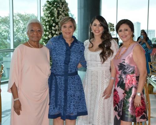 Elena Chirinos, Martha Delia Manzanares, Mónica Handal y Magda de Hernández