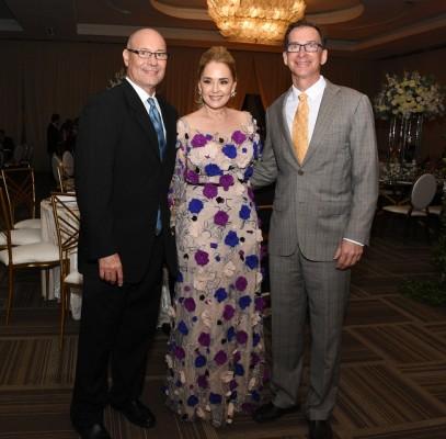 Enrique Hegebarth, Betsy Rodríguez y Stiven Bruno
