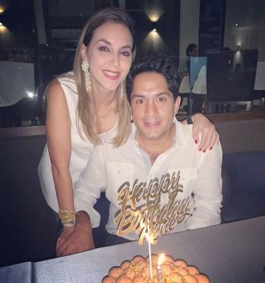 Festejó su cumple René Romero, quien fue finamente festejado por su guapa esposa Kathia, su familia y amigos…