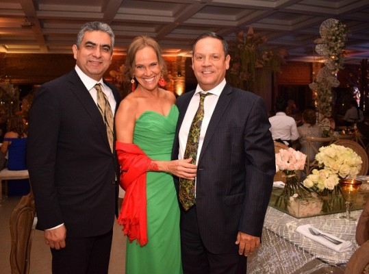 Fidel Illescas con Carmen y José Antonio Fernández.