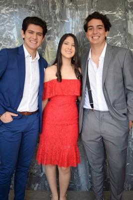 Héctor Chiang, Daniela Segura y Andrés Castillo.