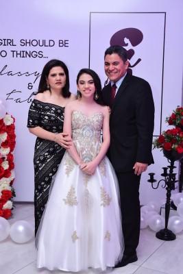 Isis Flores de Chiuz, Ana Chiuz y Jorge Chiuz