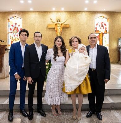 Jacobo y Farid Handal, Mónica Handal, Nancy de Handal, Ivanna María y su abuelo, Farid Handal.