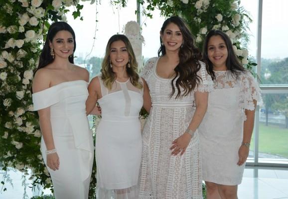 Jessica Vega, Esther Canahuati, Monica Handal y Marlen Rojas