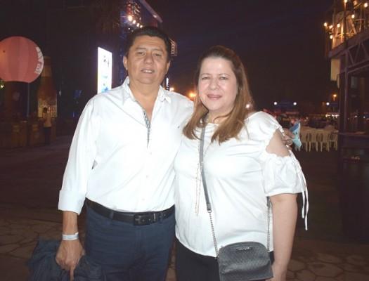Juan y Jackie Avelar.