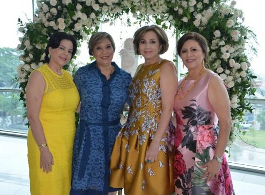 Judith Vega, Martha Delia Manzanares, Nancy de Handal y Magda de Hernández