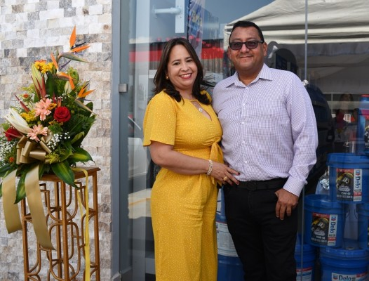 Brindis por éxito de Lubrishop en San Pedro Sula