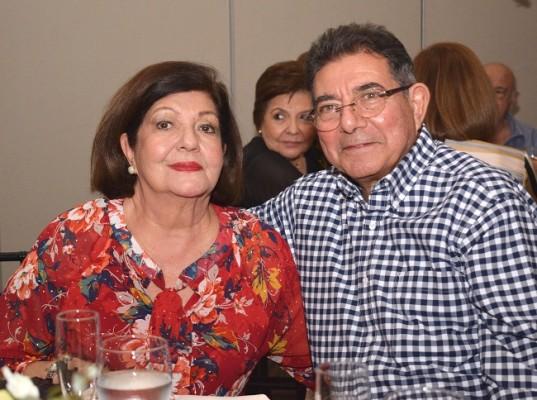 Lila y Enrique Paredes.