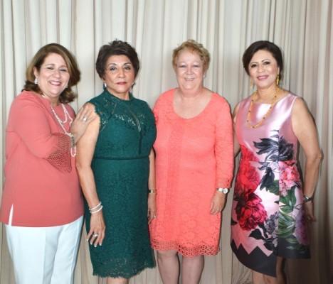 Lorena San Martin, Ana Hilsaca, Lourdes Merren y Magda de Hernández