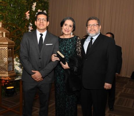 Manuel Zepeda Jr, Fátima Duarte y Manuel Zepeda