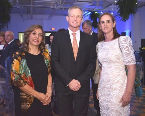 Maribel Limón, Gregoire Bon-mardion y María Isabel Rodríguez.