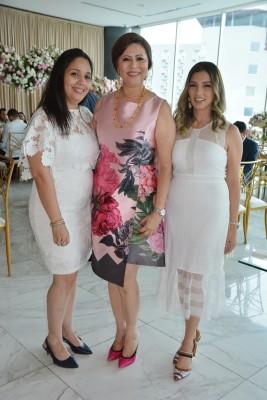 Marlen Rojas, Magda de Hernández y Esther Canahuati