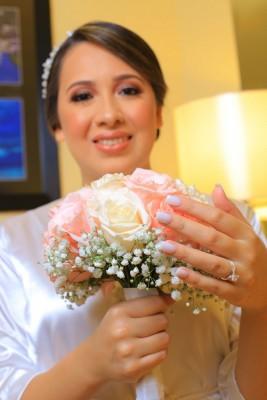 Mely lució más que bella en su gran noche de bodas