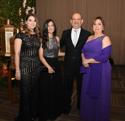 Pamela Quezada, Marcia Martínez, Marcio Martínez y Yocasta de Martínez
