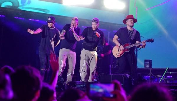 El grupo musical colombiano de latin pop y reggaeton supo prender los ánimos del público en la cuarta edición del Festival Noche del Sabor