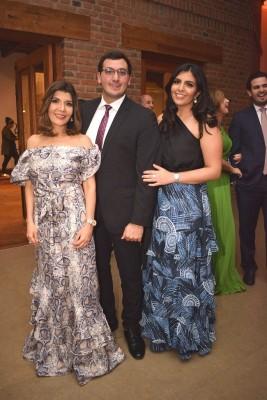 Sandra, Salvador y Marcela Panayotti.