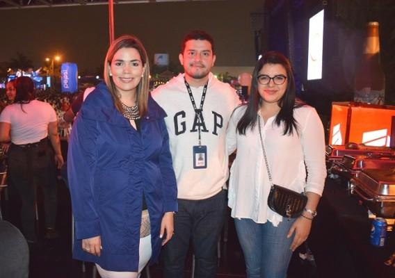 Sarah Zepeda, Andrea Santos y Karen Valencia.