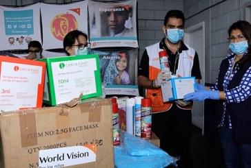 World Vision dona equipo de bioseguridad para personal sanitario que combate coronavirus