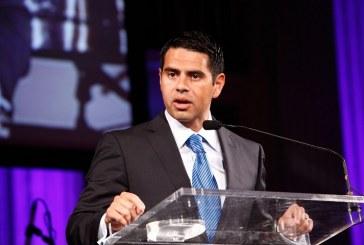 César Conde deja presidencia de Telemundo y es nombrado jefe de NBC News, MSNBC y CNBC.