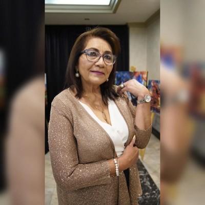 La especial dama doña Sonia Berrios fue festejada en la intimidad de su recidencia por su natalició, recibió muchas felicitacion