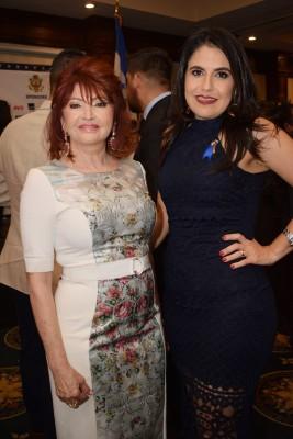 Maritza Lara y Claudia Kattan
