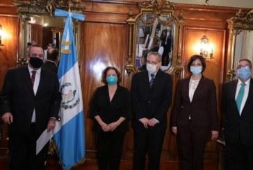 Gobierno de Guatemala destituye al ministro de Salud y nombra en su lugar una especialista en virología