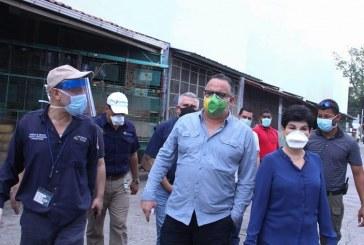 Autoridades de Gobierno central y municipales inspeccionan daños tras incendio en Mercado Guamilito y prometen su reconstrucción