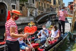 Turistas retornan a Venecia tras cuatro meses de pandemia