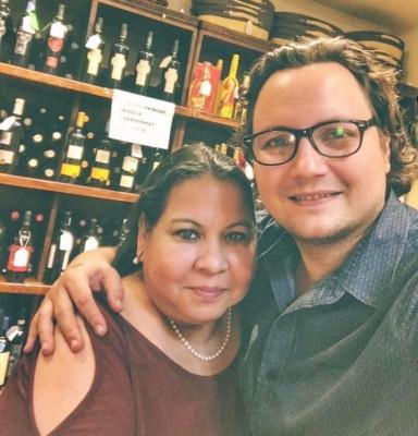 ¡Happy birthday! Marta Castro, madre de Sonny Moran... La mami del artista nacional estuvo muy festejada