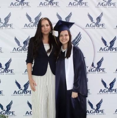 Gabriela Alejandra Paredes y Gabriela Sofía Paredes