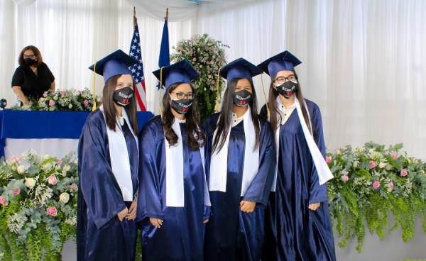 Gabriela Paredes, Bianca Prudoth, Daniela Martinez, y Julissa Lopez