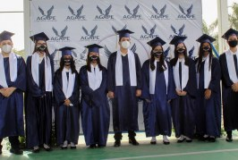Ceremonia de juramentación de los Seniors 2020 de Ágape Christian Academy