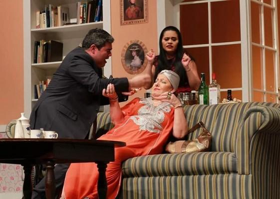 Mañana Noche de Teatro. Círculo Teatral Sampedrano presenta Un Espíritu Burlón. 8pm por Facebook Live