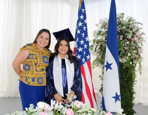 Mirna Chavarría, Angie Menjivar