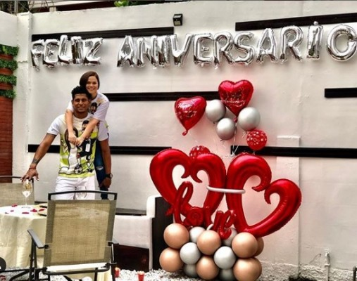 Tita Torres y Carlo Costly en su primer aniversario de casados