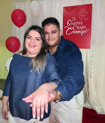 Compromiso Carlos Roberto y Nikol
