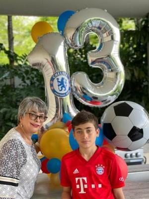 Llega los 13 Vittorio, Feliz cumpleaños... Muy orgullosa de su nieto Linda Coello