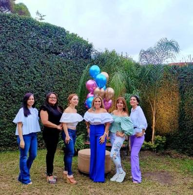 Saadia Fonseca, Danira Barahona, Karen Orellana, Marielos Gutierrez, Viena Bayde, Patty Nuñez
