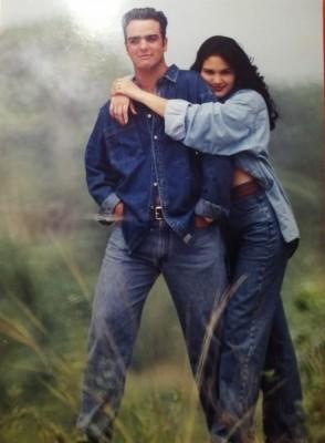 Una imagen del recuerdo de Miss San Pedro Sula 1995, Michelle Torres quien ganó el título de Miss Fotogénica y Miss Honduras Dorian Gray 1995… Michelle también trabajaba como modelo en San Pedro Sula, en la gráfica junto al joven Alejandro Guzmán en una campaña publicitaria de la época.