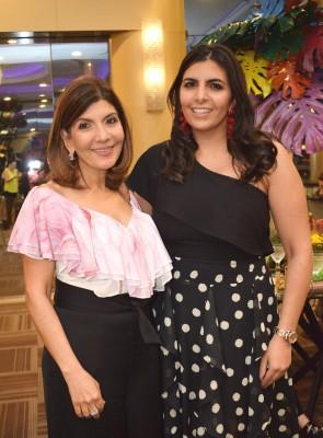 Guapísimas Sandrita Faraj con Marcela Panayotii.