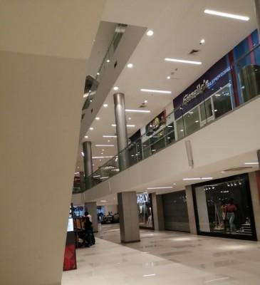 Los centros comerciales del área metropolitana de San Pedro Sula comienzan a cobrar vida de nuevo, después de este largo confinamiento de casi 5 meses.