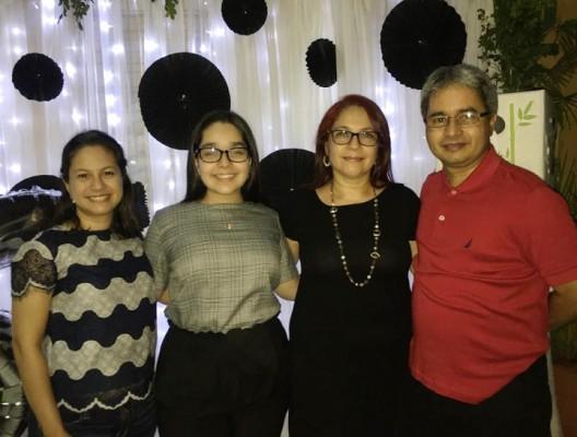 Arleth, Abby, Delfina y Julio Fernández