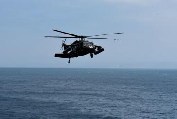 Fuerza de Tarea Conjunta-Bravo realiza ejercicio aéreo en la bahía de Trujillo